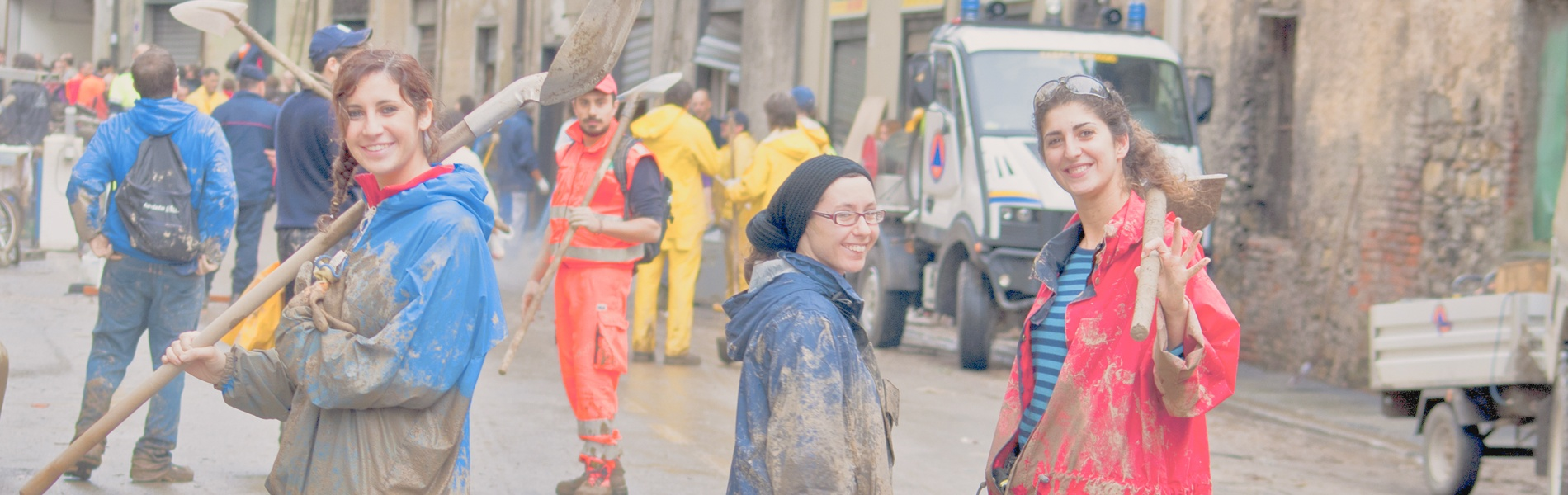 Helping-Your-Community-During-Disasters_1900x600.jpg